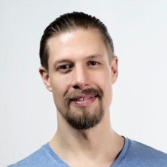 Adamus Yoga Studio - Florian Pfeifer - zertifizierter Yoga Lehrer