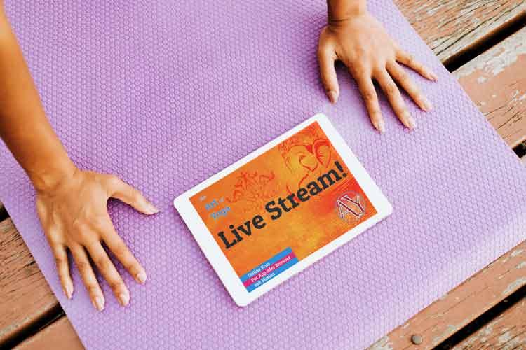 Adamus Yogastunden neu auch über Live Stream